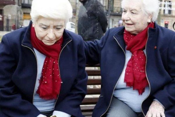 mercedes-escultura-en-bilbao-sobre-la-soledad-de-los-mayores